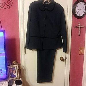 Sag Harbor pants suit